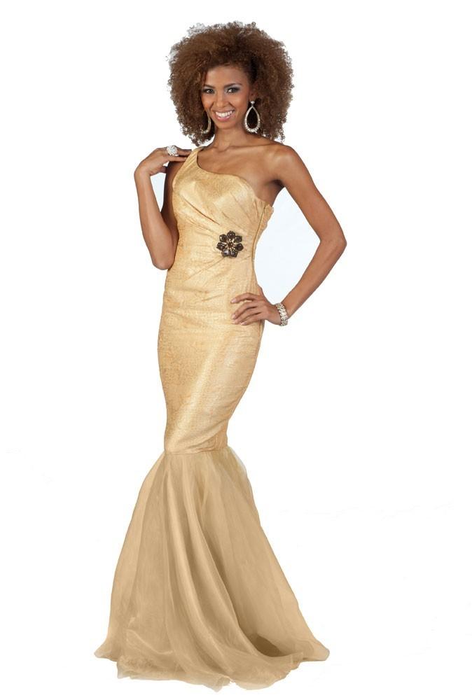 Miss Honduras en robe de soirée