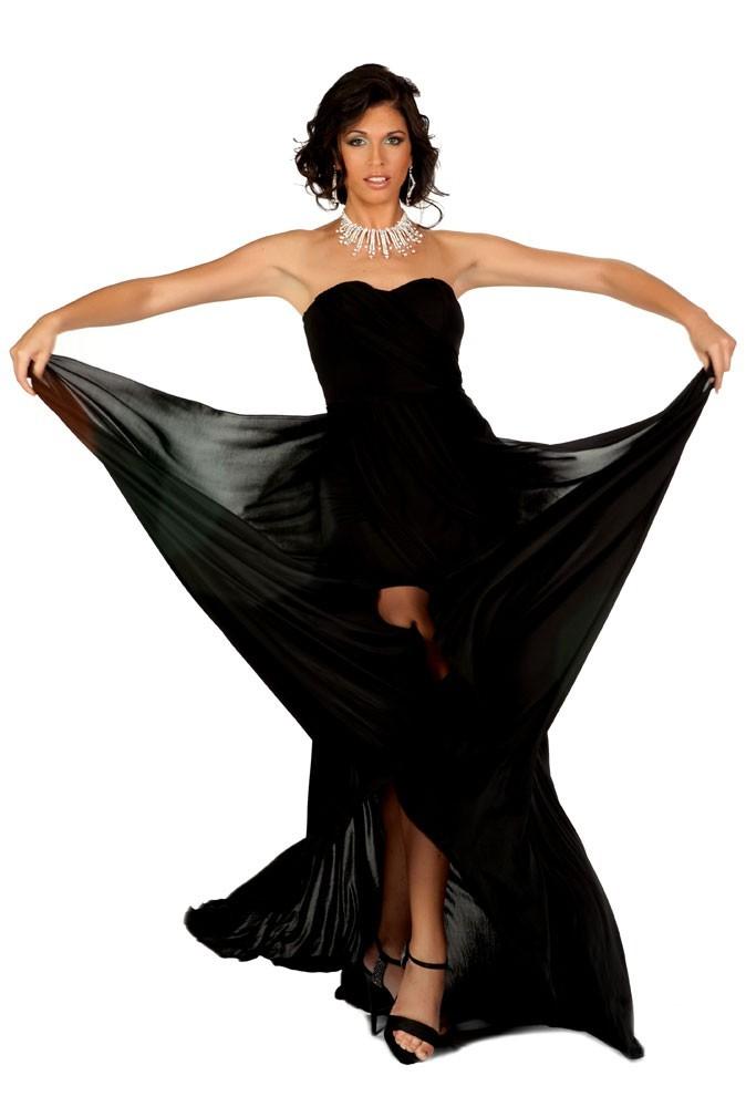 Miss Italie en robe de soirée