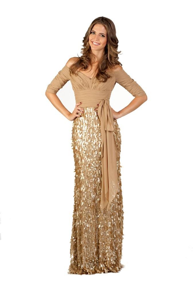 Miss Portugal en robe de soirée