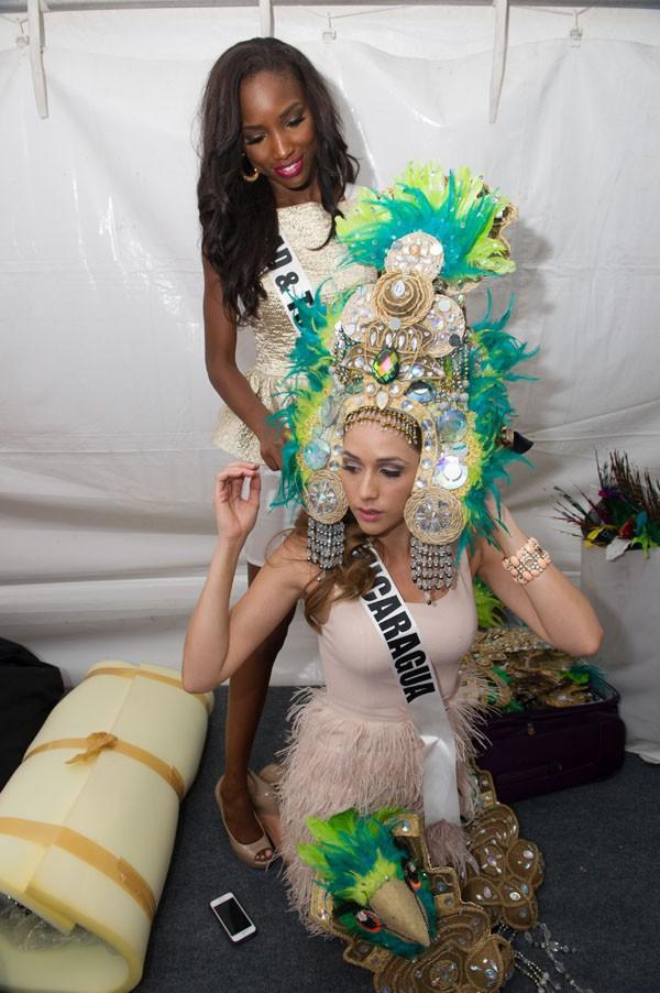 Miss Trinidad & Tobago aide Miss Nicaragua