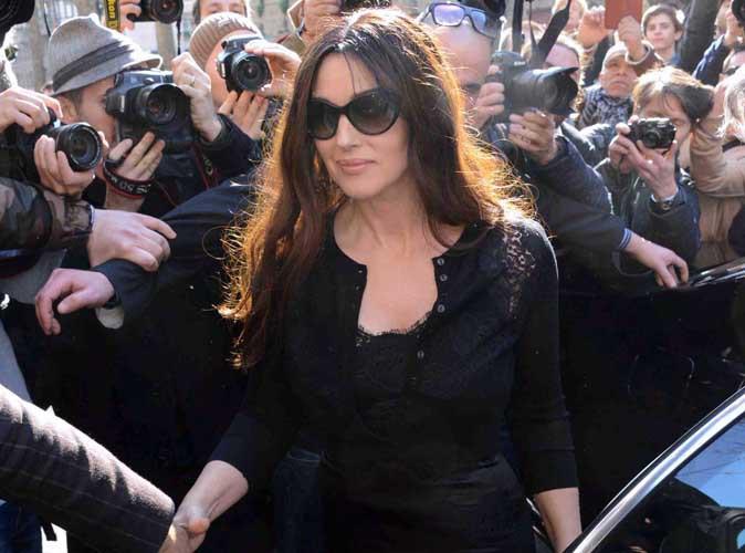 Monica Bellucci : bellissima et toute en volupt� pour le d�fil� de Dolce & Gabbana !