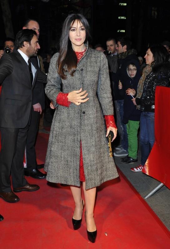 """Monica Bellucci lors de la première du film """"Des gens qui s'embrassent"""" à Paris, le 1er avril 2013."""
