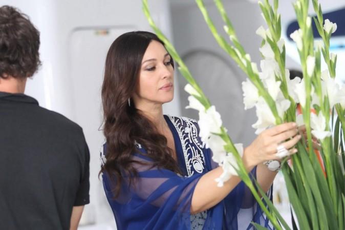 Monica Bellucci sur le tournage de Les gens qui s'embrassent à Saint-Tropez !