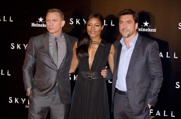 Daniel Craig, Naomie Harris et Javier Bardem lors de la première de skyfall à Madrid, le 29 octobre 2012.