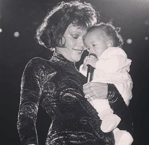 Bobbi Kristina sur scène avec Whitney Houston... depuis toujours