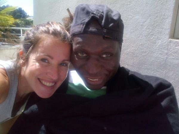 Sandrine Diouf pose avec Mouss ...