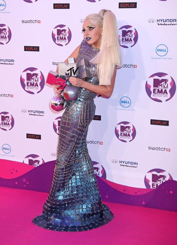 Lady gaga, grande gagnante des EMAs 2011 !