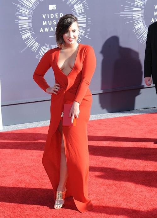 Demi Lovato sexy lors des MTV VMA 2014