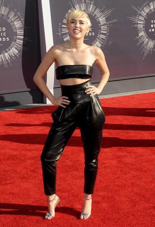 Miley Cyrus sexy lors des MTV VMA 2014