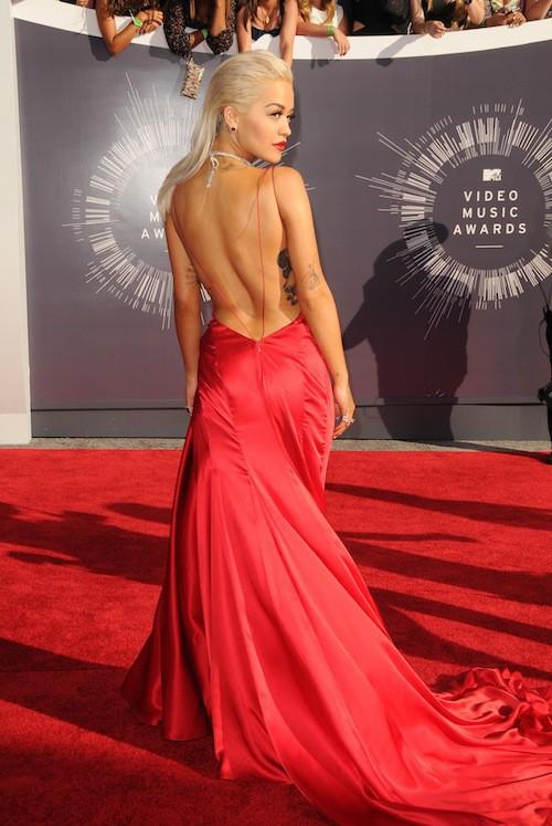 Rita Ora sexy lors des MTV VMA 2014