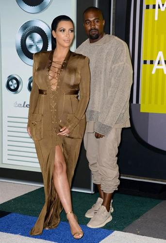 """Photos : MTV VMA 2015 : Kanye West : """"Je me présente en 2020 pour devenir Président"""" !"""
