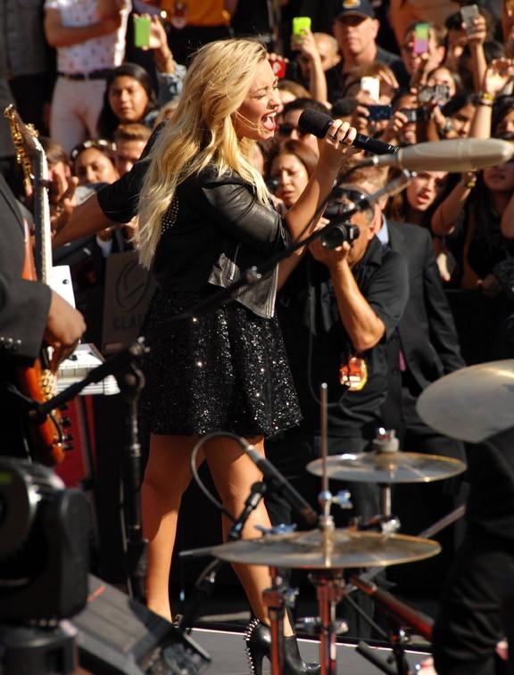 Demi Lovato aux MTV Video Music Awards à Los Angles le 6 septembre 2012