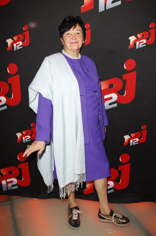 "Livia, la grand-mère de Nabilla Benattia, lors de la conférence de presse de la télé-réalité ""Allo Nabilla"" à Paris, le 21 octobre 2013."