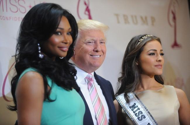 Nana Meriwether, Donald Trump et Olivia Culpo le 9 janvier 2013 à New York
