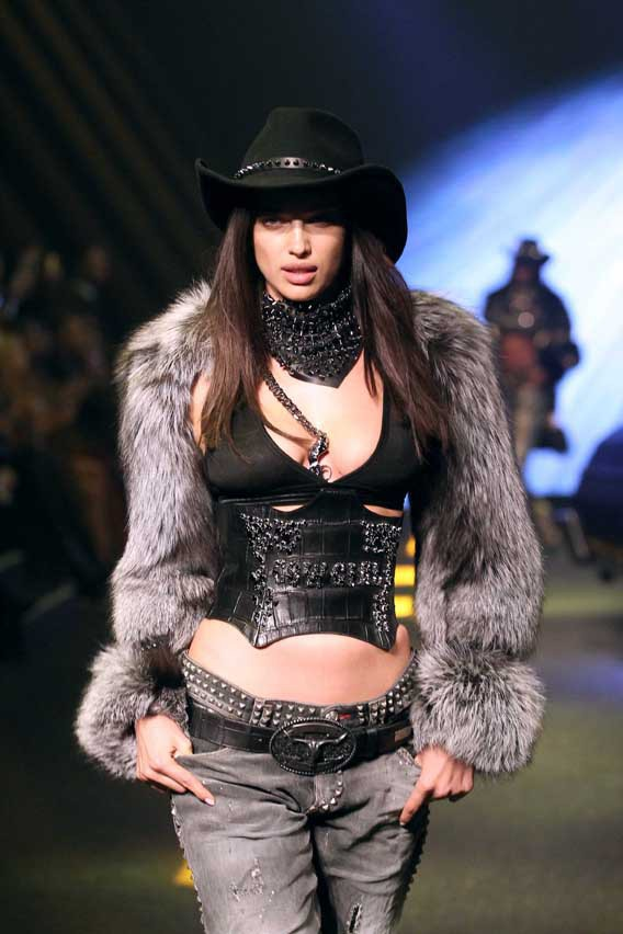 Irina Shayk au défilé Philipp Plein organisé le 23 février 2014 à Milan