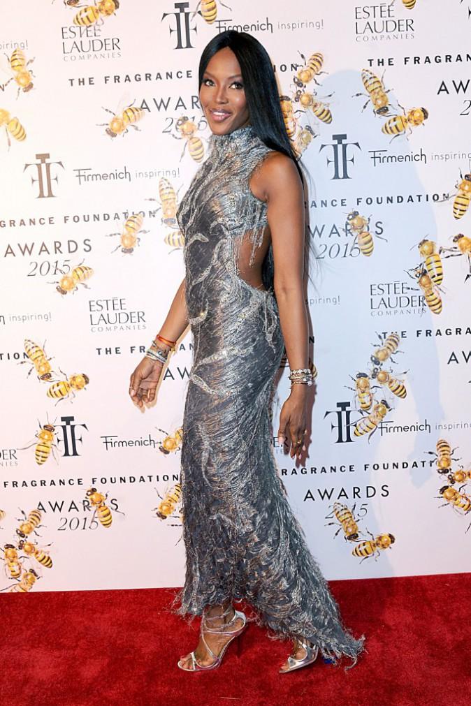 Photos : Naomi Campbell : une beauté éternelle en Versace !