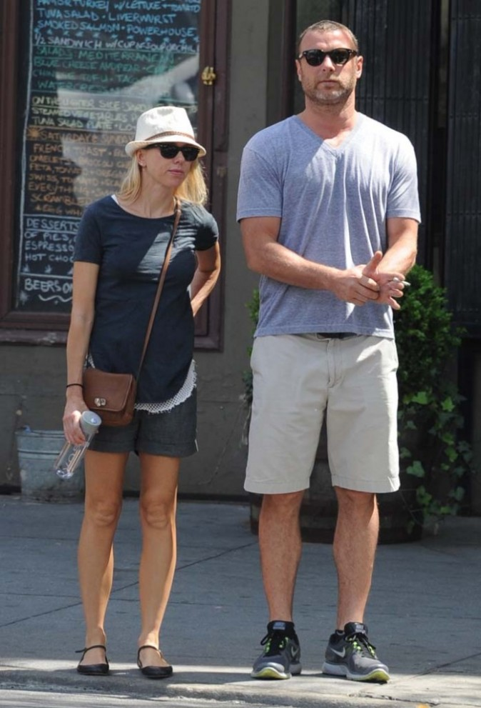 Naomi Watts et Liev Schreiber incognito dans les rues de New York