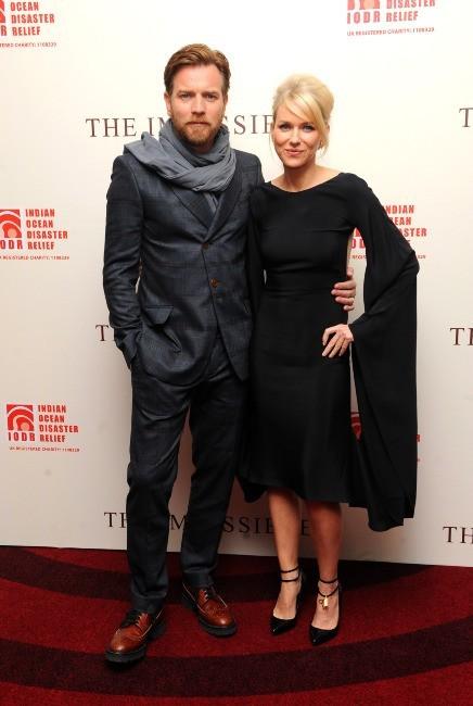 Naomi Watts et sa co-star Ewan McGregor le 19 novembre 2012 à Londres