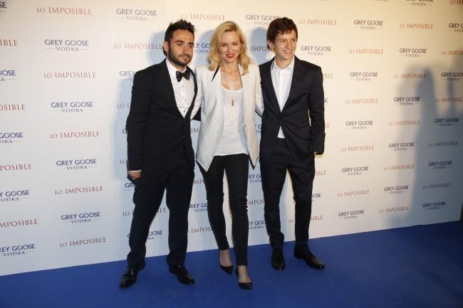 "Juan Antonio Bayona, Naomi Watts et Tom Holland lors de l'after-party du film ""The Impossible"" à Madrid, le 8 octobre 2012."