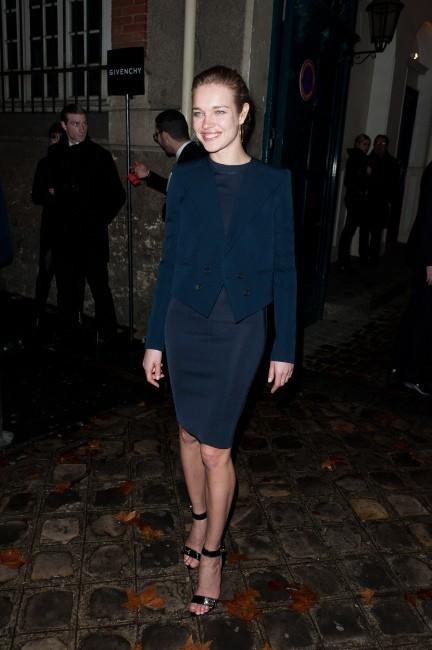 Natalia Vodianova se rendant au défilé Givenchy à Paris, le 4 mars 2012.
