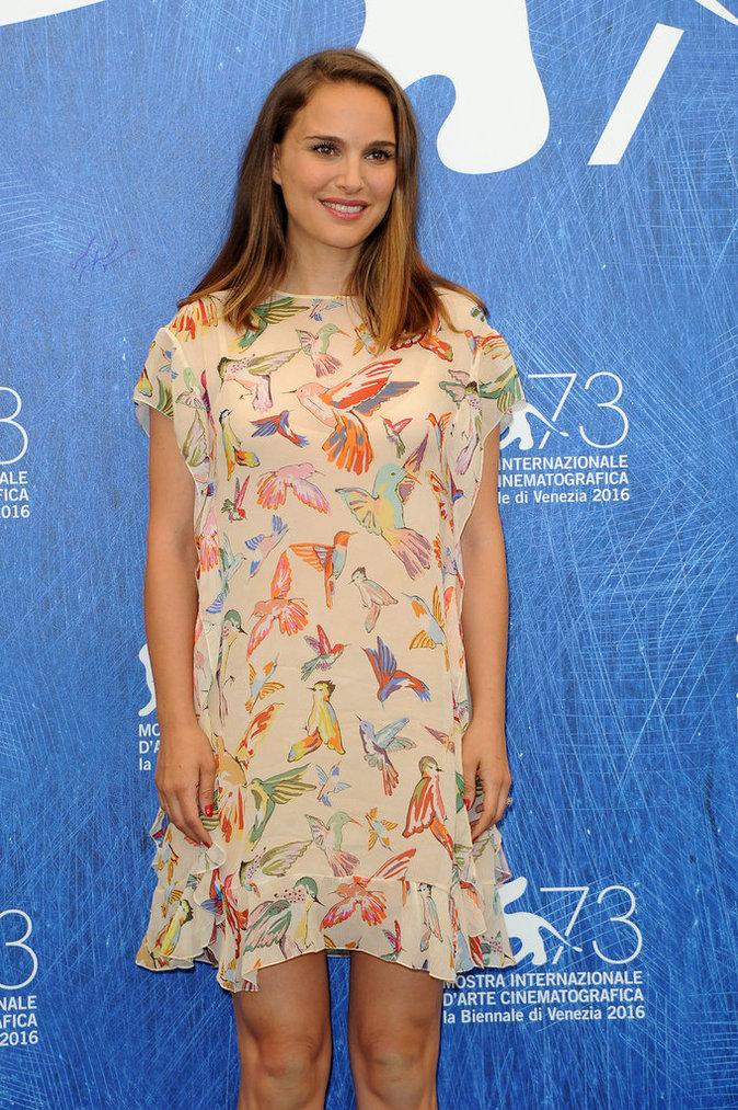 Natalie Portman pose pour les photographes au Festival de Venise ce jeudi 8 septembre