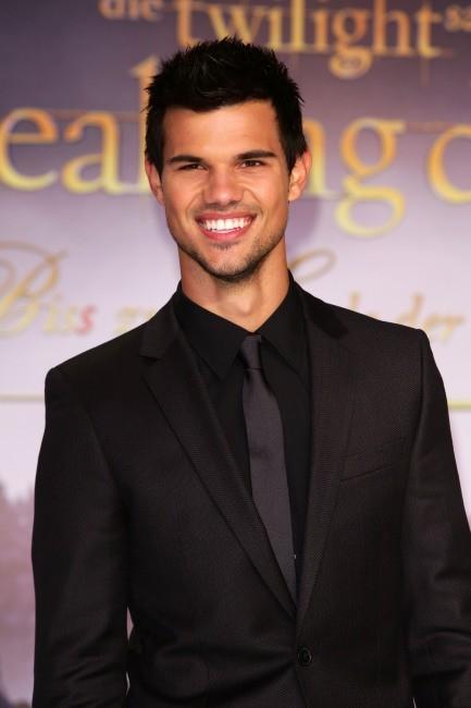 Taylor Lautner rapporte 29.50 $ pour chaque dollar investi