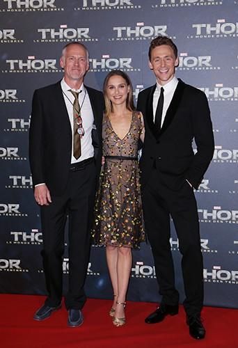 Alan Taylor, Natalie Portman et Tom Hiddleston à Paris le 23 octobre 2013