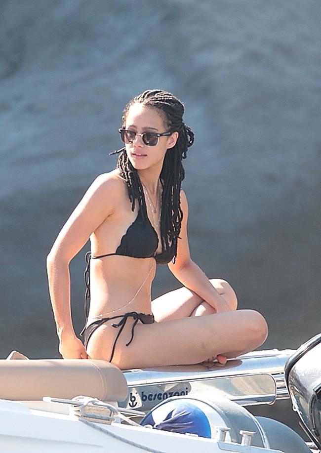 Nathalie Emmanuel en vacances à Ischia le 15 juillet 2015