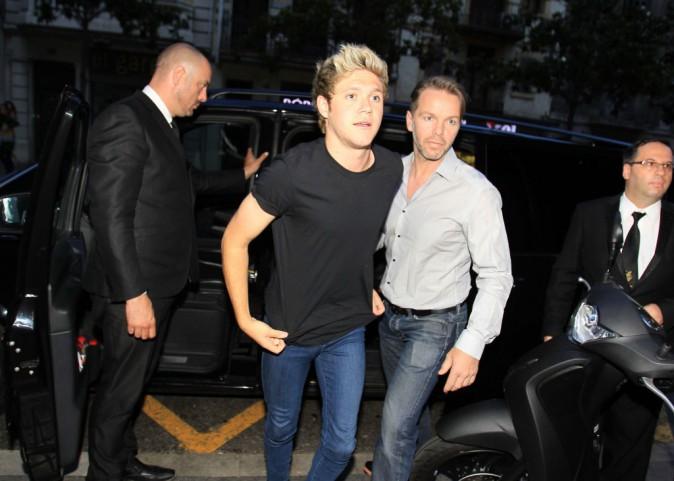 Niall Horan et Arian Grande : ils se la jouent discrets à Barcelone... Mais c'est loupé !