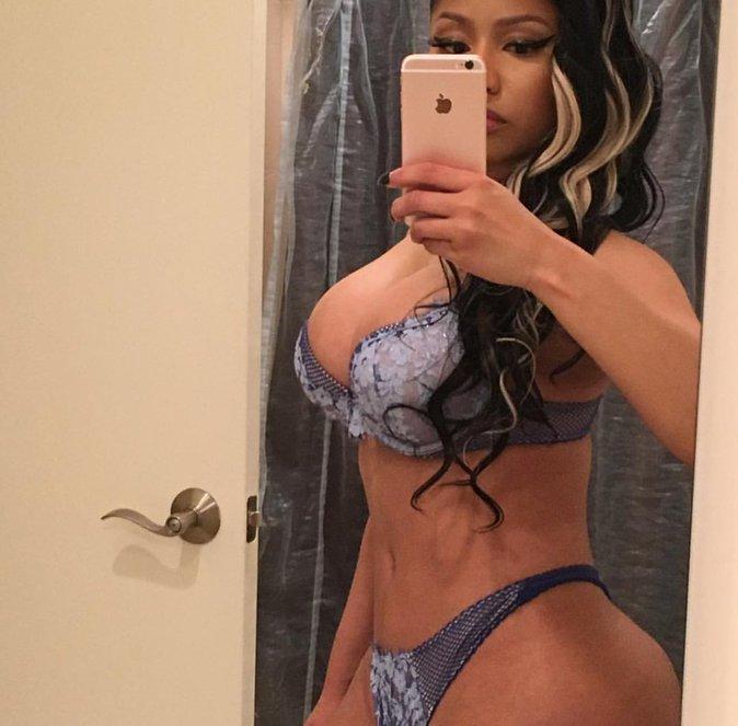 Nicki Minaj en sous-vêtements