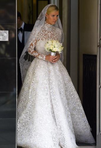 """Photos : Nicky Hilton """"amazing"""" pour son mariage devant Paris et sa mère émues !"""