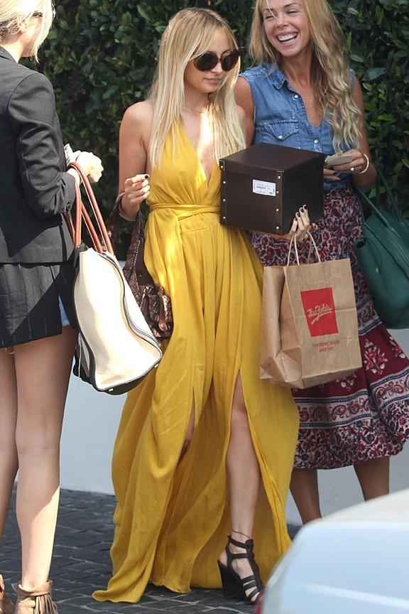 Nicole Richie et ses amies lors de son déjeuner d'anniversaire à West Hollywood, le 21 septembre 2011.