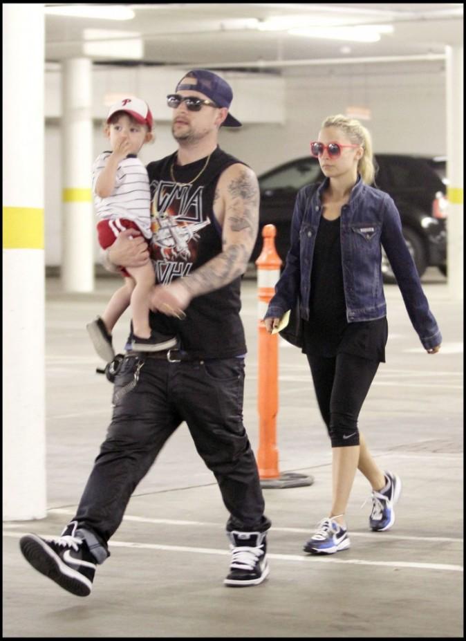 Nicole Richie en famille à Studio City en Californie, le 4 mai 2011.