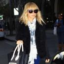 Nicole Richie en plein shopping à Beverly Hills, le 20 décembre 2011.