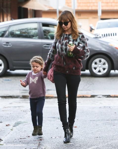 Nicole Richie et sa fille Harlow le 1er décembre 2012 à Studio City