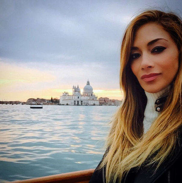Photos : Nicole Scherzinger : elle soigne son coeur à Venise et montre à Lewis ce qu'il perd !