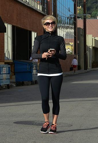 Julianne Hough à Los Angeles le 11 mars 2014