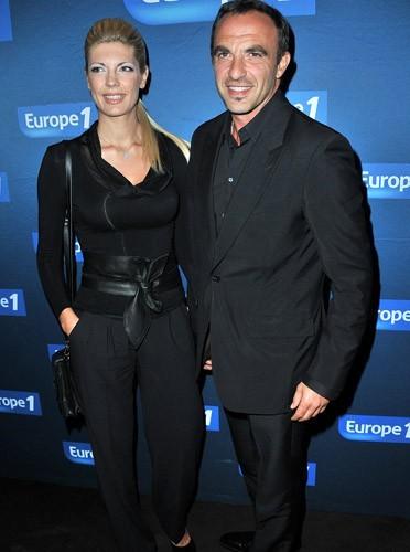 Nikos Aliagas et Tina pose ensemble
