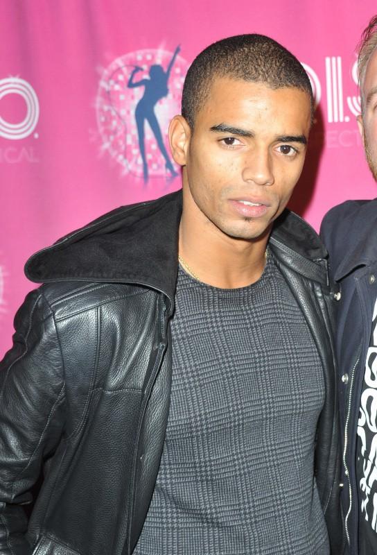 Brahim Zaïbat lors de la première du musical D.I.S.C.O. à Paris, le 10 octobre 2013.