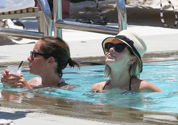 Julianne Hough et Nina Dobrev, Miami, 26 avril 2013
