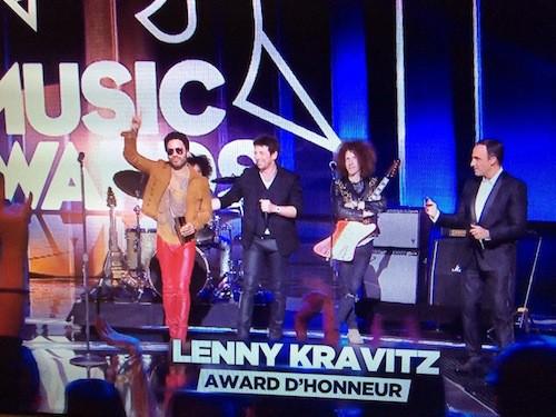 Lenny Kravitz fait le show et reçoit un award d'honneur des mains de Patrick Bruel !