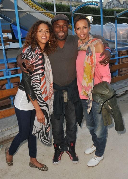 Noémie Lenoir et Sonia Rolland à la Fête des Tuileries le 22 juin 2012 avec Jimmy Jean Louis