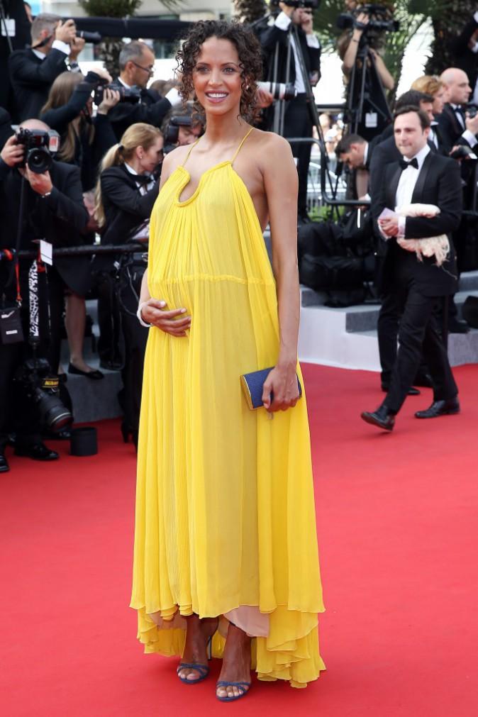 Photos : Noémie Lenoir : radieuse, elle dévoile son baby bump au Festival de Cannes !