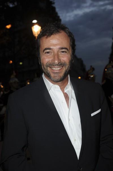 Bernard Montiel lors du gala de la Fondation pour la recherche sur Alzheimer au Cirque d'Hiver à Paris, le 25 septembre 2013.
