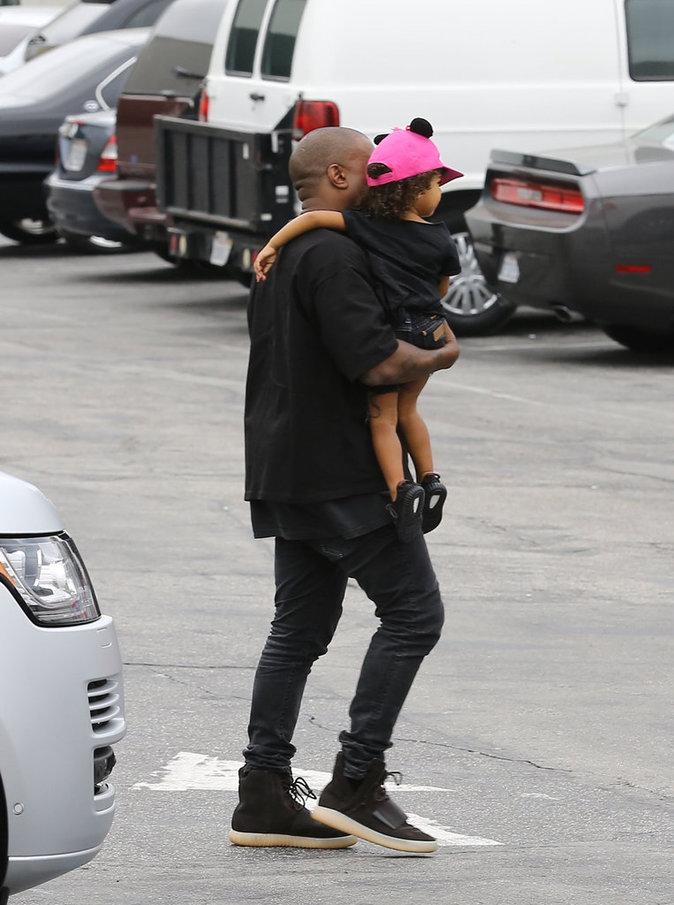 Kanye West et North à Los Angeles le 16 octobre 2015