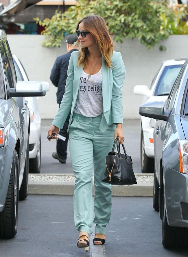 Olivia Wilde de sortie pour un déjeuner entre amies à Los Angeles le 22 novembre 2013