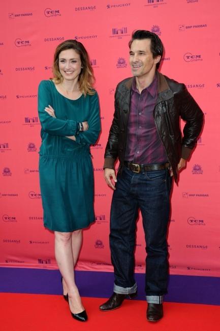 Olivier Martinez et Julie Gayet au Festival des Champs-Elysées le 12 juin 2013 à Paris