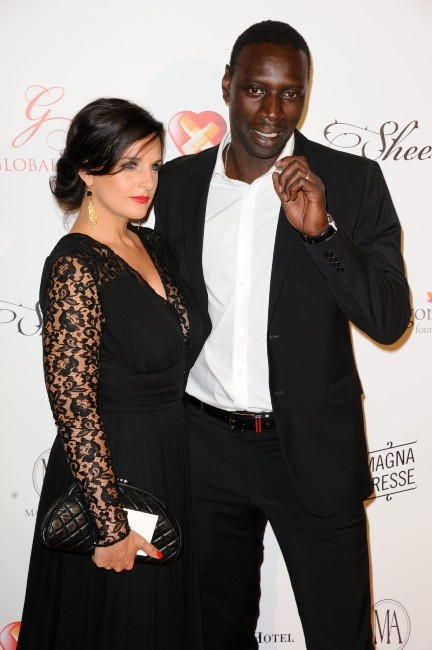 photos omar sy heureux et amoureux aupr s de sa charmante et charitable pouse. Black Bedroom Furniture Sets. Home Design Ideas