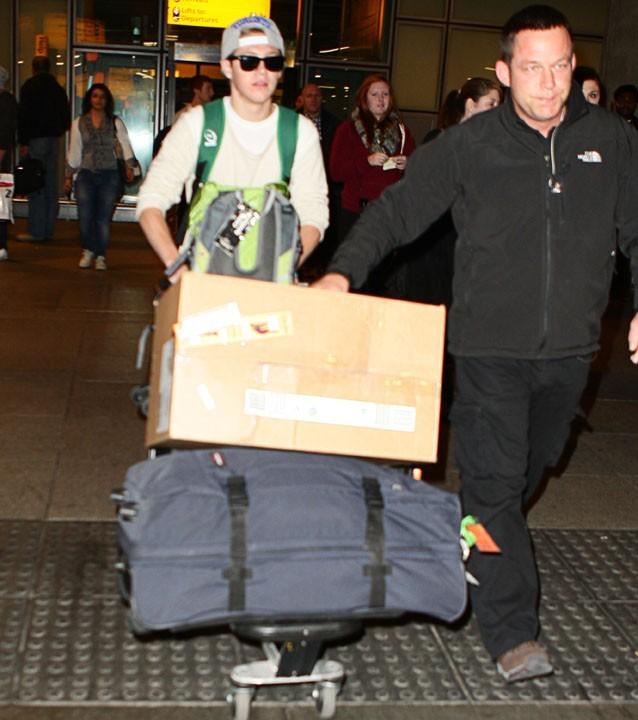 Niall Horan à l'aéroport Heathrow de Londres le 13 novembre 2012