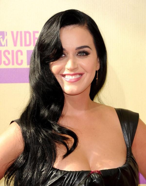 6- Katy Perry avec 45 millions de dollars